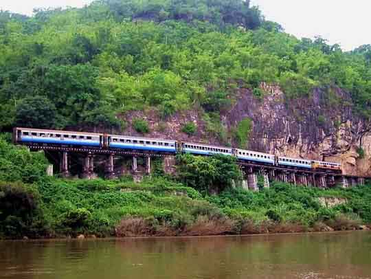 Treni in Thailandia