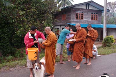 offers-to-monks