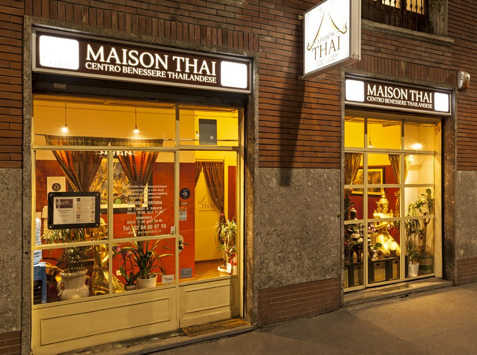 vetrina notte Maison Thai