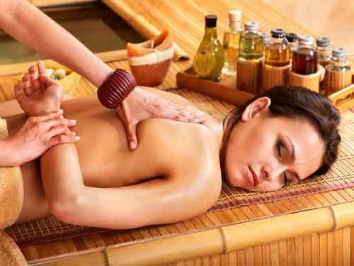 Migliora l'umore con il massaggio thailandese